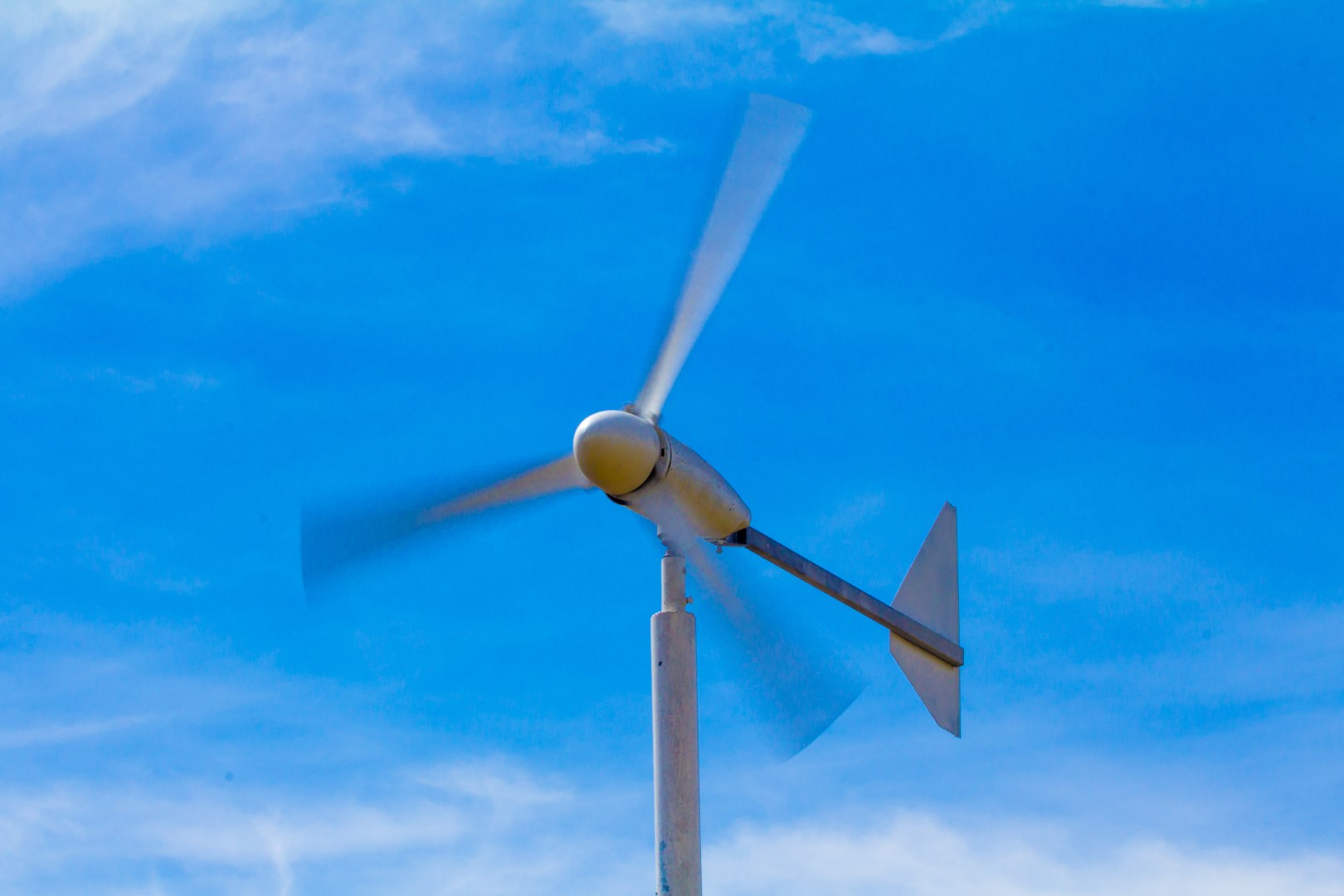 OIL PRODUCERS TURN TO WIND POWER—ENERGY JOURNAL